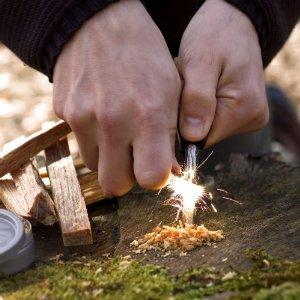 Lighting_a_Fire_with_Sweish_FireSteel